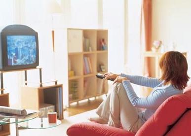 不用上班的日子就爱整天在家煲剧、上网,但是这样的举动长久下来对健康有害哦!