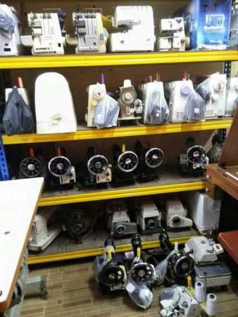 """不论旧式缝纫机或电子缝纫机,张顺发都能让它们""""重生""""。"""