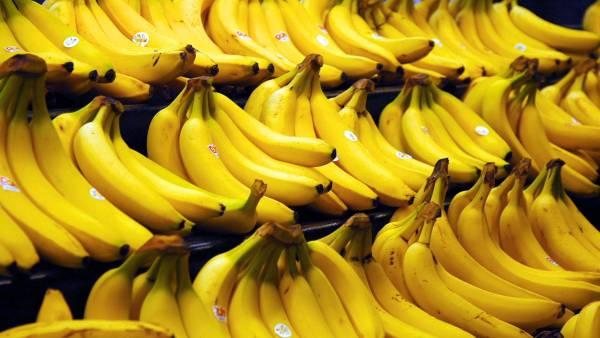 香蕉里也惊现针头。