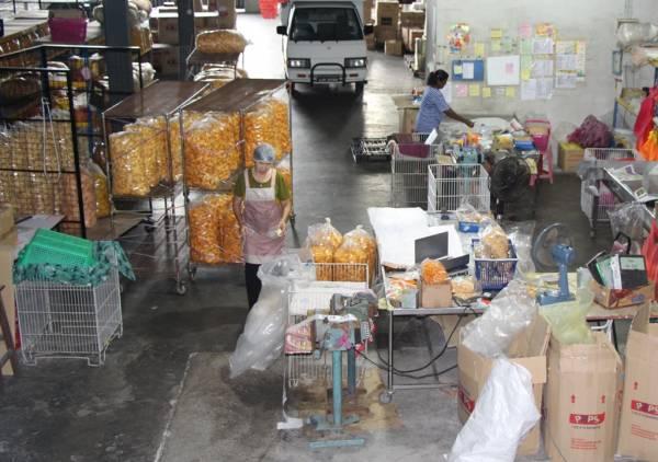 小小的本土零食,竟然也扩展为跨国大生意。