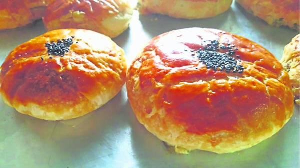 甜而不腻的传统潮州月饼散发出自然的饼香。