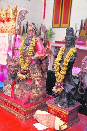巴生永安镇的竹林观音庙,同时有关帝和观音两大神明坐镇,而受过护佑与帮助的善信更是不计其数。