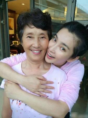 李冰冰与妈妈