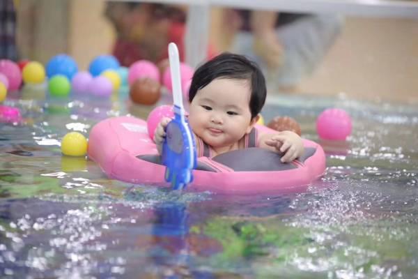 多为孩子安排有挑战、有趣的活动。