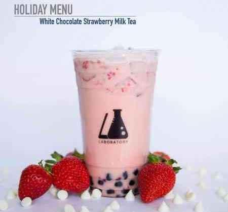 """""""白巧克力草莓牛奶茶""""。"""