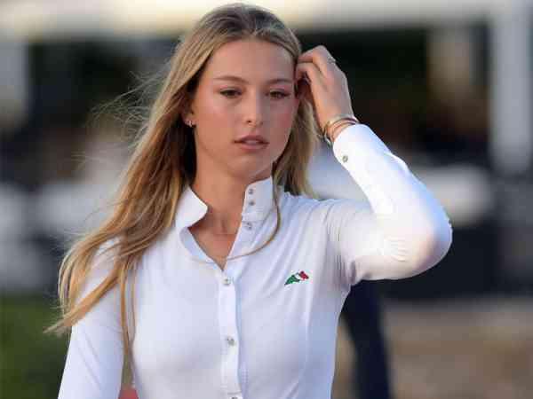 巧合的是,乔布斯 20 岁的女儿伊芙·乔布斯(Eve Jobs)也是如此。