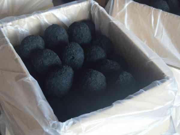 腌制步骤4:整齐排列进纸箱内包装就可出售。