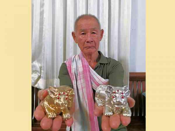 阿赞普苏麟亲手制造的四不像招财神兽,很多商人拜了之后都发大财。