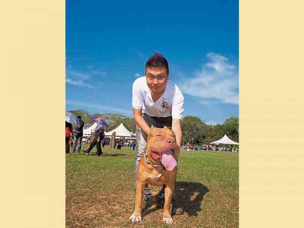 刘文宏透过带爱犬旅行,认识到各地志同道合的朋友,开阔了生活圈子。