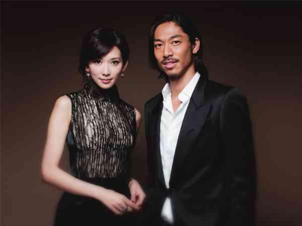 林志玲6日宣布结婚,对象是EXILE成员AKIRA。