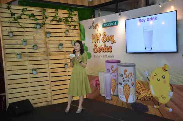 NH Soy营养师Ms Chee Yin分享NH Soy 豆粉系列对身体的益处。