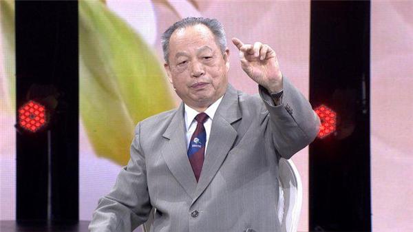 李乾构医师乃是中国国家级老中医。