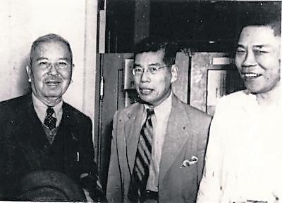 勇于创业而其后又有所成者,左起:陈嘉庚、李光前(陈嘉庚女婿)及陈六使无疑是最响亮的名字。