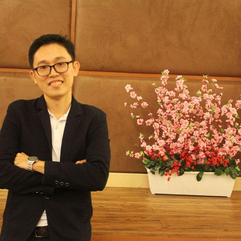 特别鸣谢:时事评论员兼DJ的龙耀福
