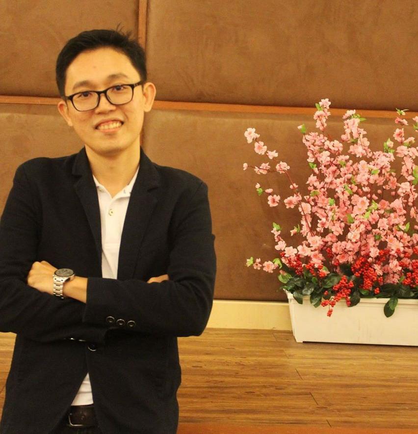 特别鸣谢:时事评论员兼DJ龙耀福