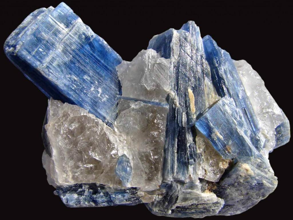 蓝晶石原矿标本摆件