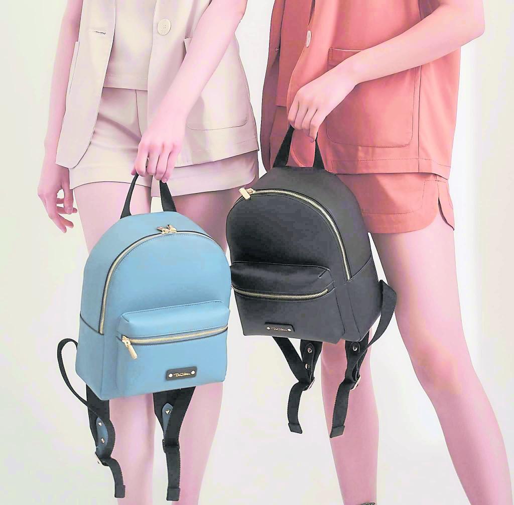 Premium 系列Saydre背包外观简洁又不乏质感,背包容量也是不容小觑。