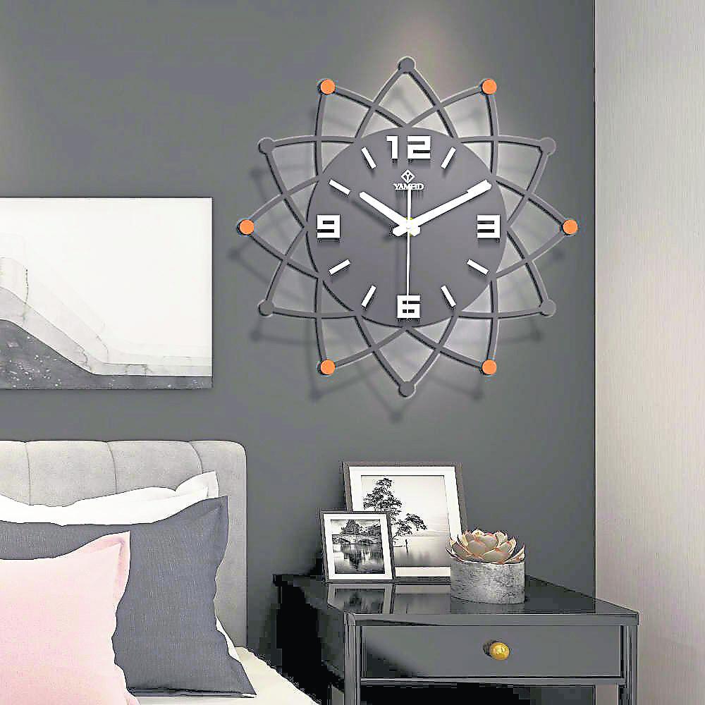 在睡房内摆放或悬挂时钟,对睡眠的影响也是比较负面的。