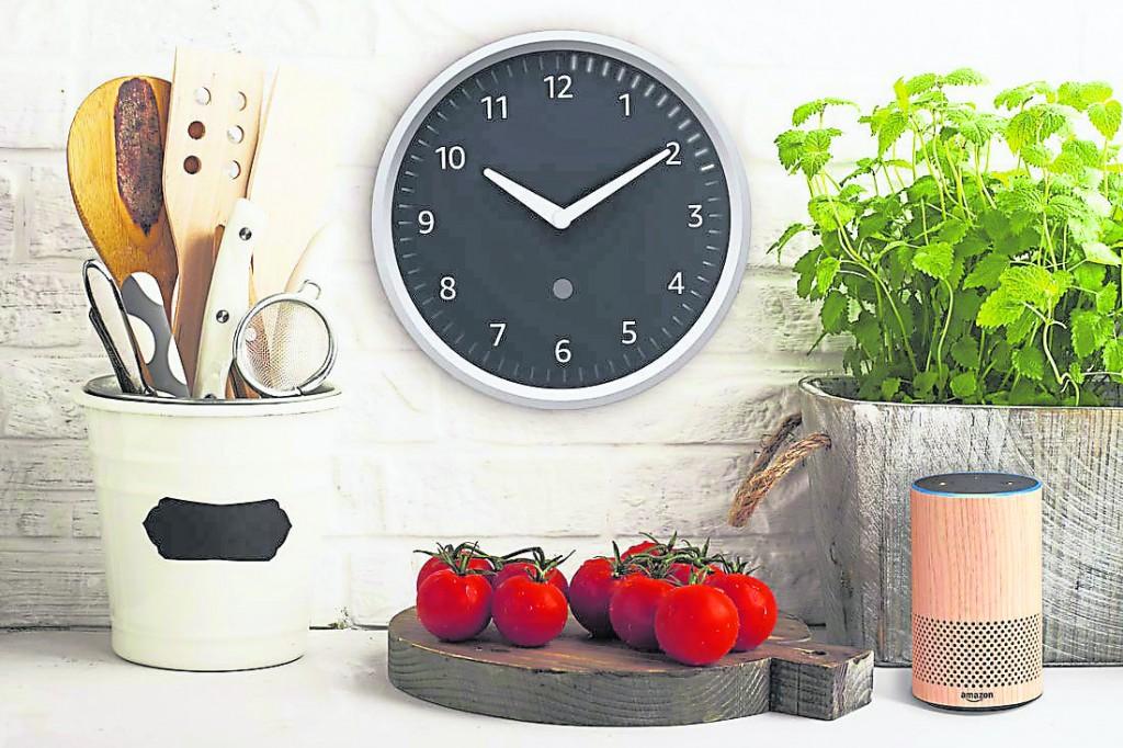 在厨房摆放时钟会对女主人影响深远,但放小巧的定时器,不会对居家气势有影响。
