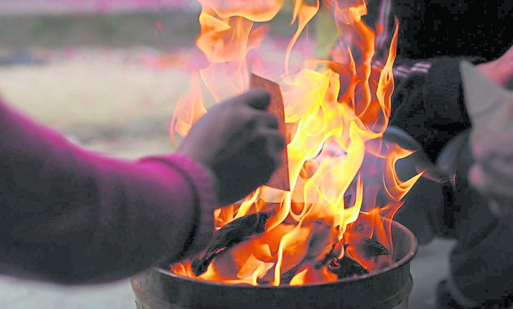 百日祭拜往生者致敬,拥有不可烧往生钱禁忌。