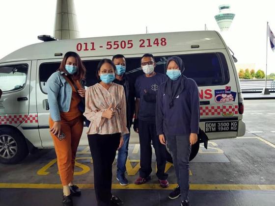关志庭旗下医疗团队救护车,汽油供应全部由Petron承担。