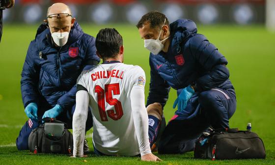 在拥挤的赛程中,球员伤病情况愈发严重。