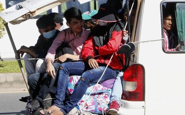 柬埔寨的亡人节号称是亚洲最长的节日。无论有多忙多远,人们都会纷纷赶回家参加节日。