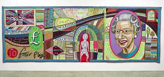 除了陶艺,他的纺织蜡染作品也是极具创意,将人生百态描绘在自己的纺织作品中,以幽默的视角反讽着各种人事。