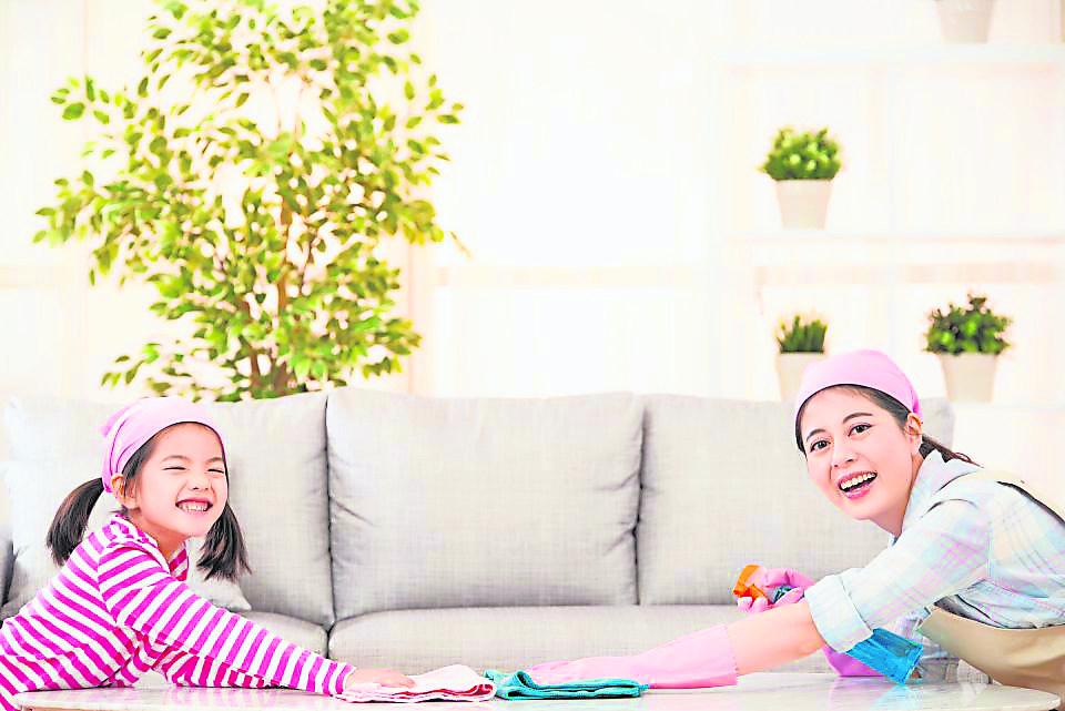把家里打扫干净明亮让人住得舒服,也有助于财运的不断提升。