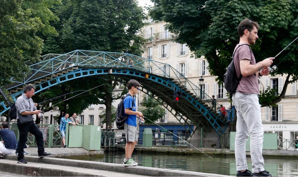 随著街钓文化越来越流行,参与街钓的年龄层也越来越低。