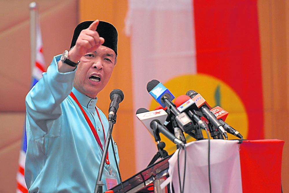 身为巫统主席的阿末扎希,最近被安努亚慕沙提醒应制定针对下一届大选的制胜方案,以避免巫统再次走错路,导致惨败。