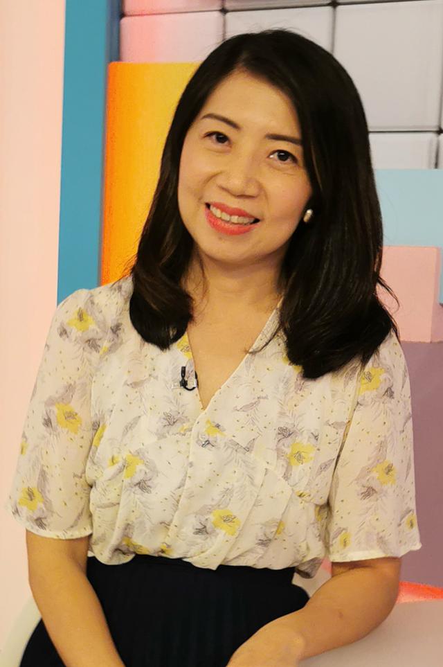 营养师 Amanda Teh 郑诗玲 ·澳洲自然疗法学士(Naturopathy) ·澳洲传统草药与自然疗法公会会员 ·马来西亚自然疗法学会主席