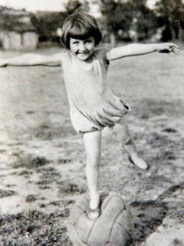 乔安娜小时候就流露出对体操的兴趣和天分。