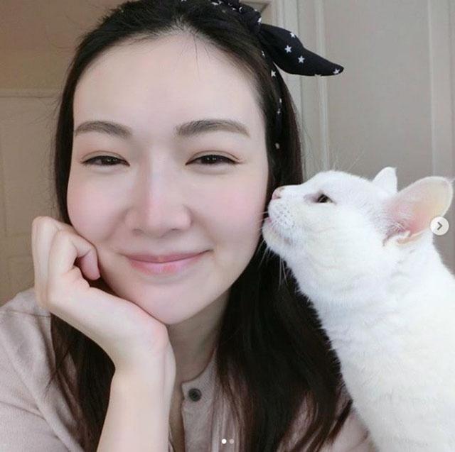 叶翠翠最疼爱猫的人,猫咪会以行动回应好主人。