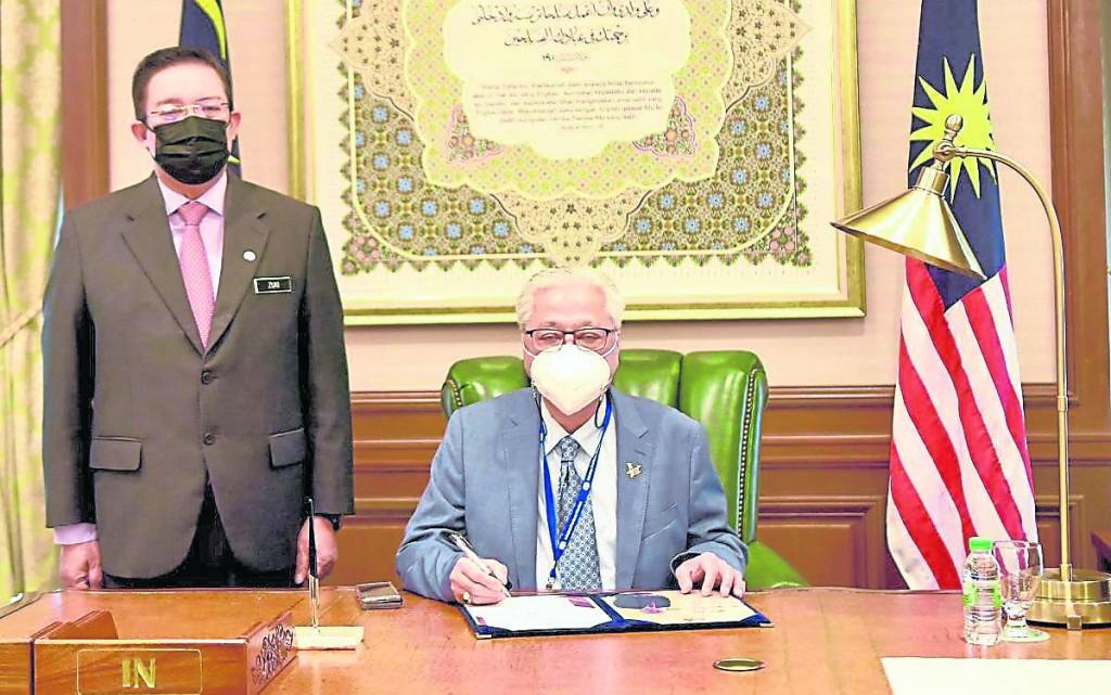 自国盟政府成立以来,副首相职已悬空长达约1年4个月,如今终于被沙比里填补了!
