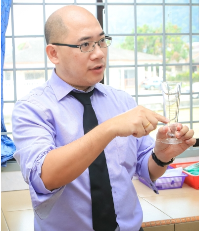 萧文雄药剂师指出,接种新冠疫苗后身体产生的抗体,大家也要很自律,不是说施打了就不会感染。
