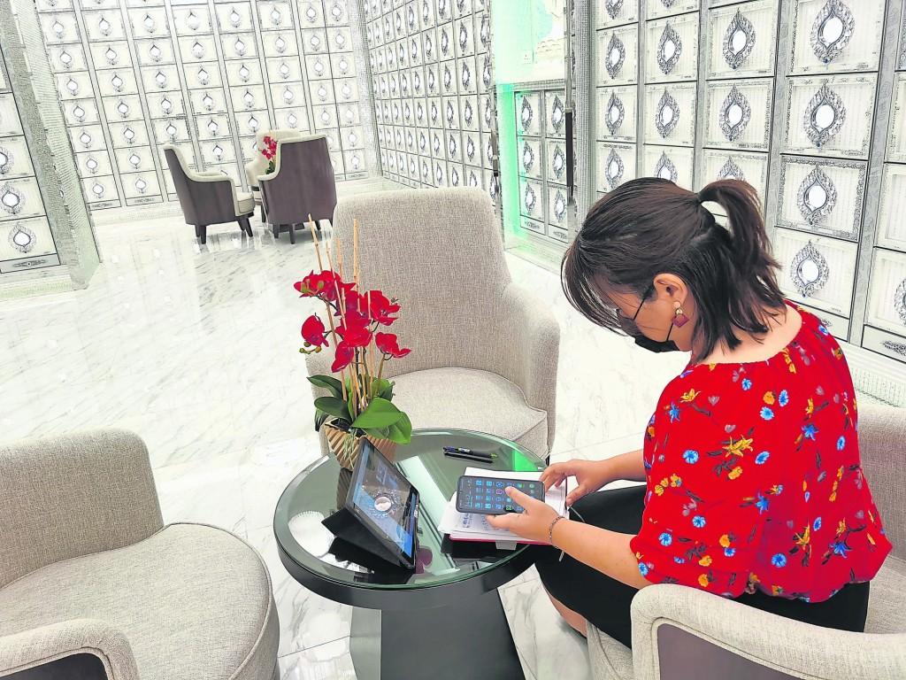 Sheila专业的为客户提供事前规划和事后服务,在签契前可以进行分期付款,以供期方式,每个月偿还。