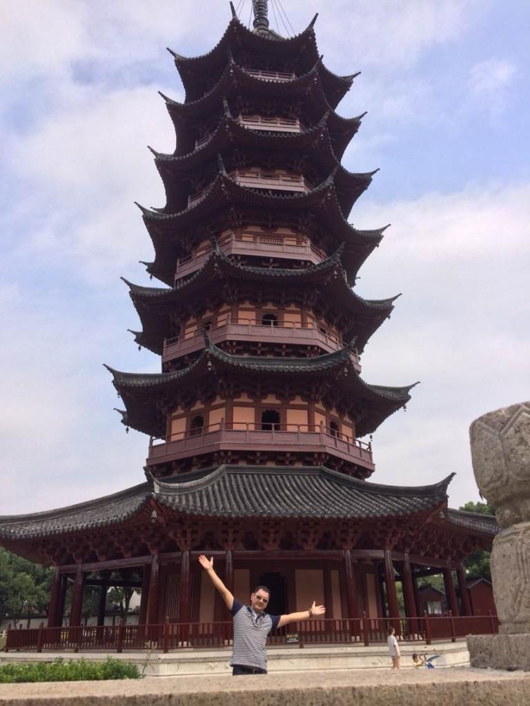 苏州报恩寺塔重建于南宋绍兴年间(1131~1162)。